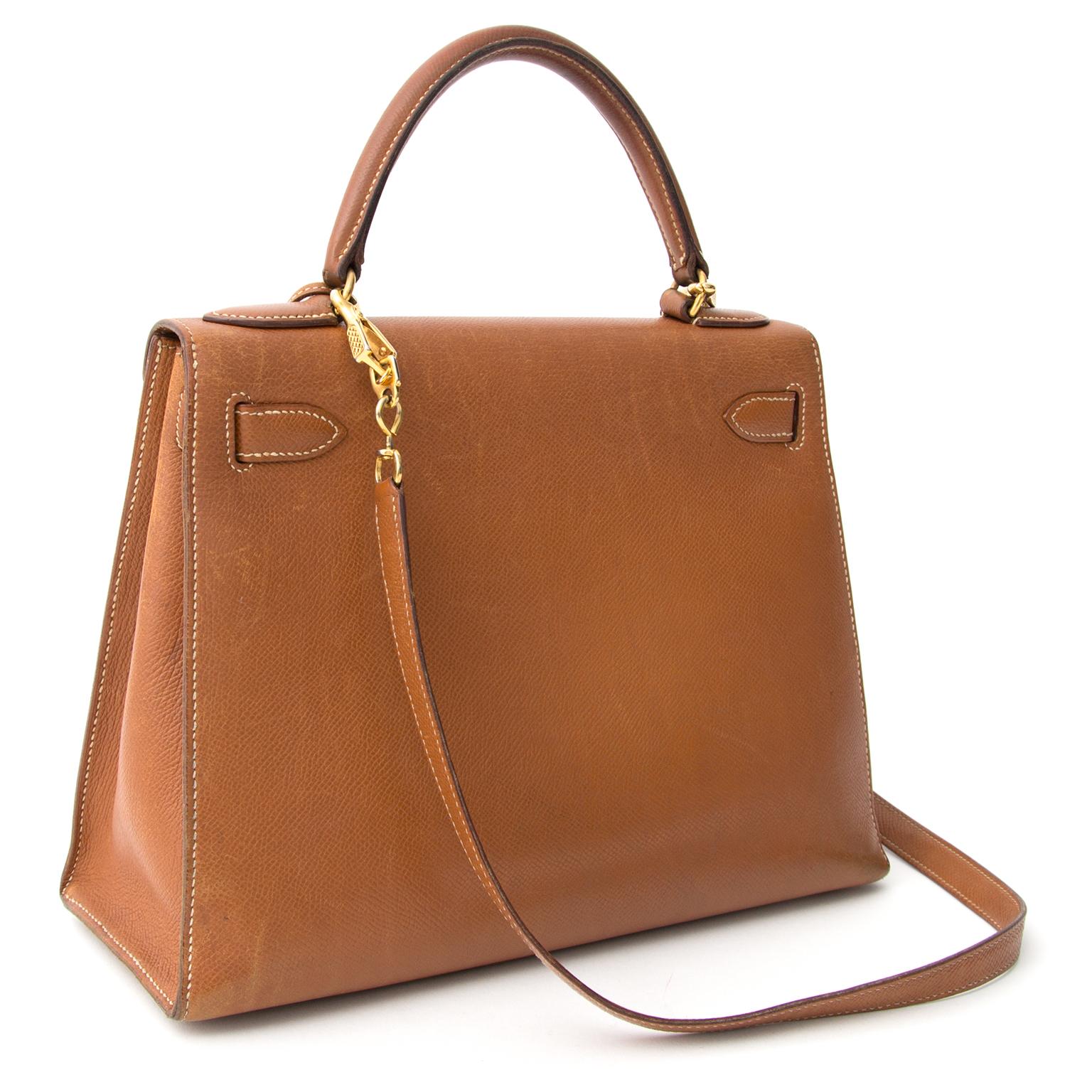 acheter Vintage Hermes Kelly Gold Courchevelle 28 GHW + STRAP  pour le meilleur prix sac a main Vintage Hermes Kelly Gold Courchevelle 28 GHW + STRAP