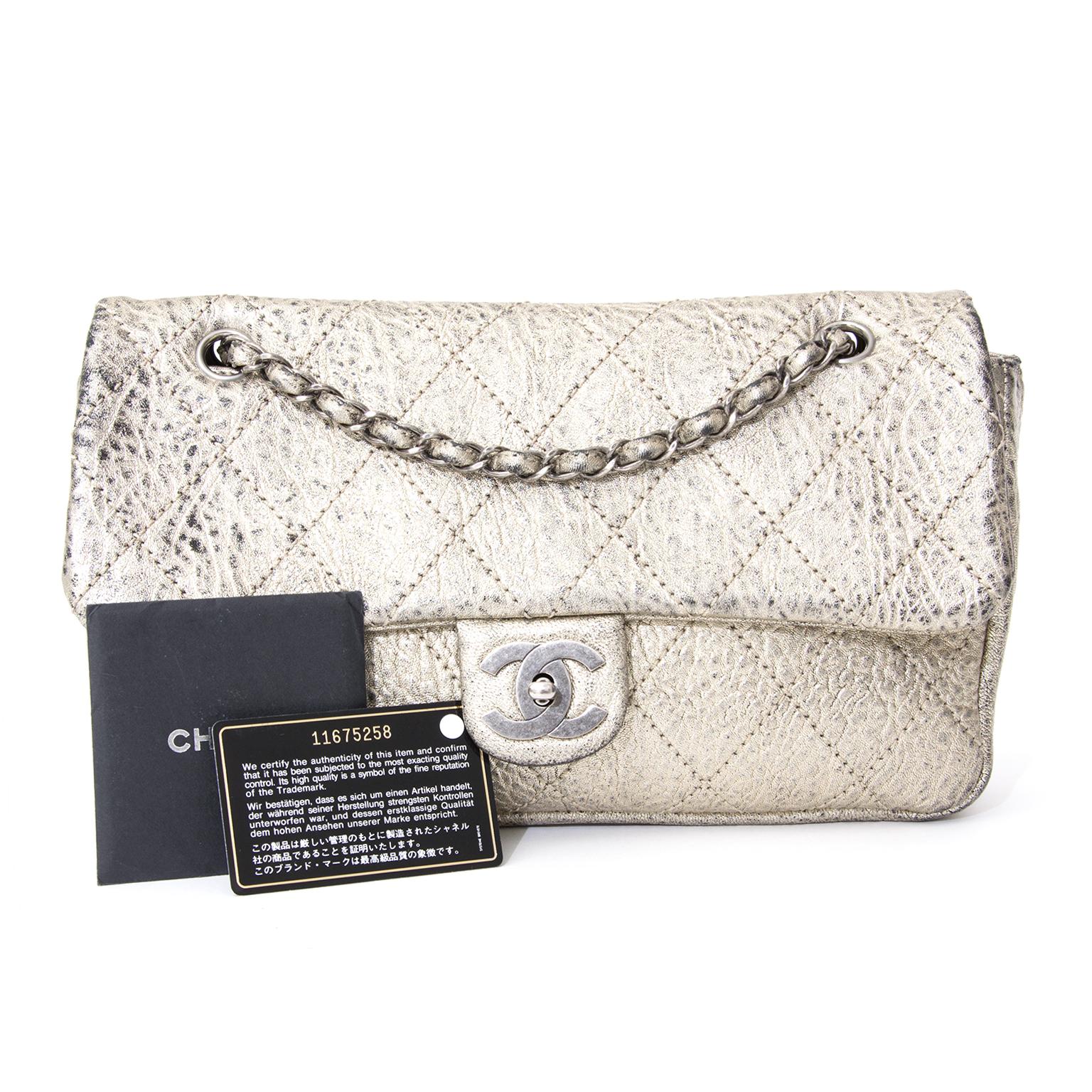 9f59f23b6c26 buy safe online secondhand designer Rare Chanel Aged Silver Classic Flap Bag  like new koop veilig online tweedehands chanel Rare Chanel Aged Silver  Classic ...
