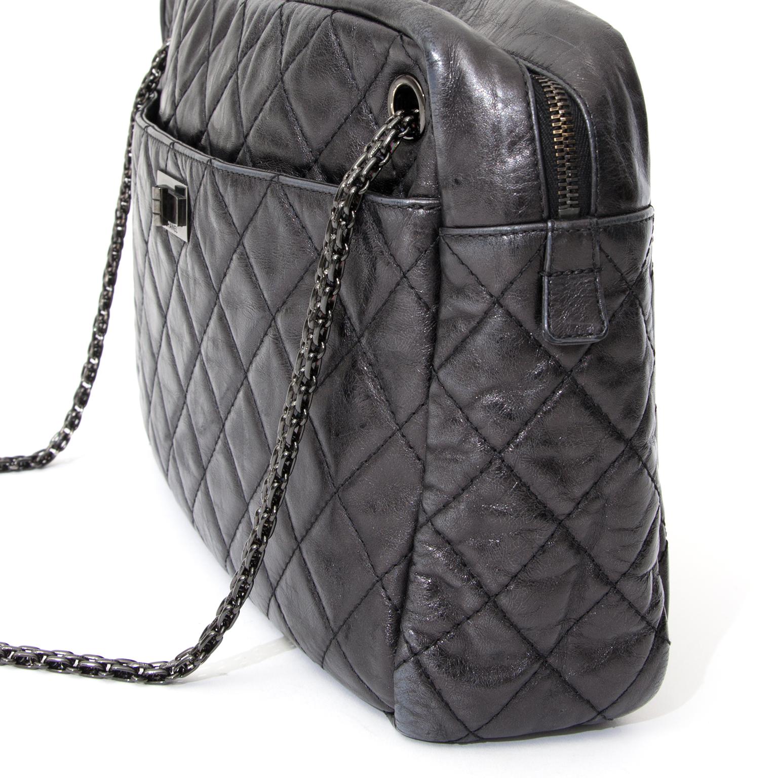 8324f85677096f ... tweedehands Chanel Reissue Camera Bag aan de beste prijs 100% authentiek