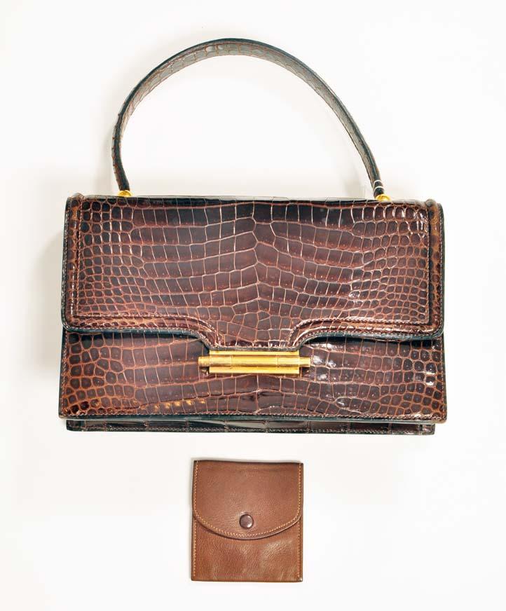 18c28a9a73680b Labellov Buy safe Delvaux designer vintage online. Vind tweedehands ...