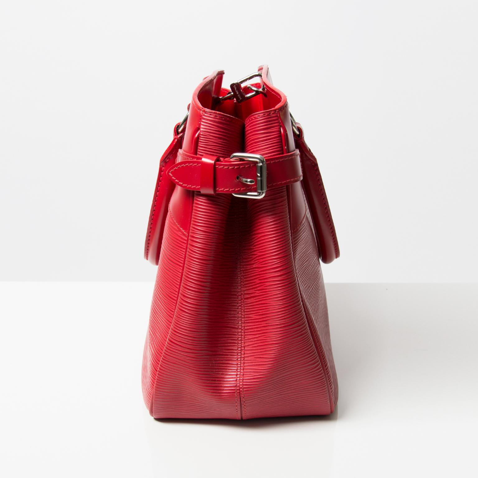 abecb01a75cf ... Tweedehands Louis Vuitton LV Passy tote tas rood leer authentieke luxe  merken designer vintage labellov