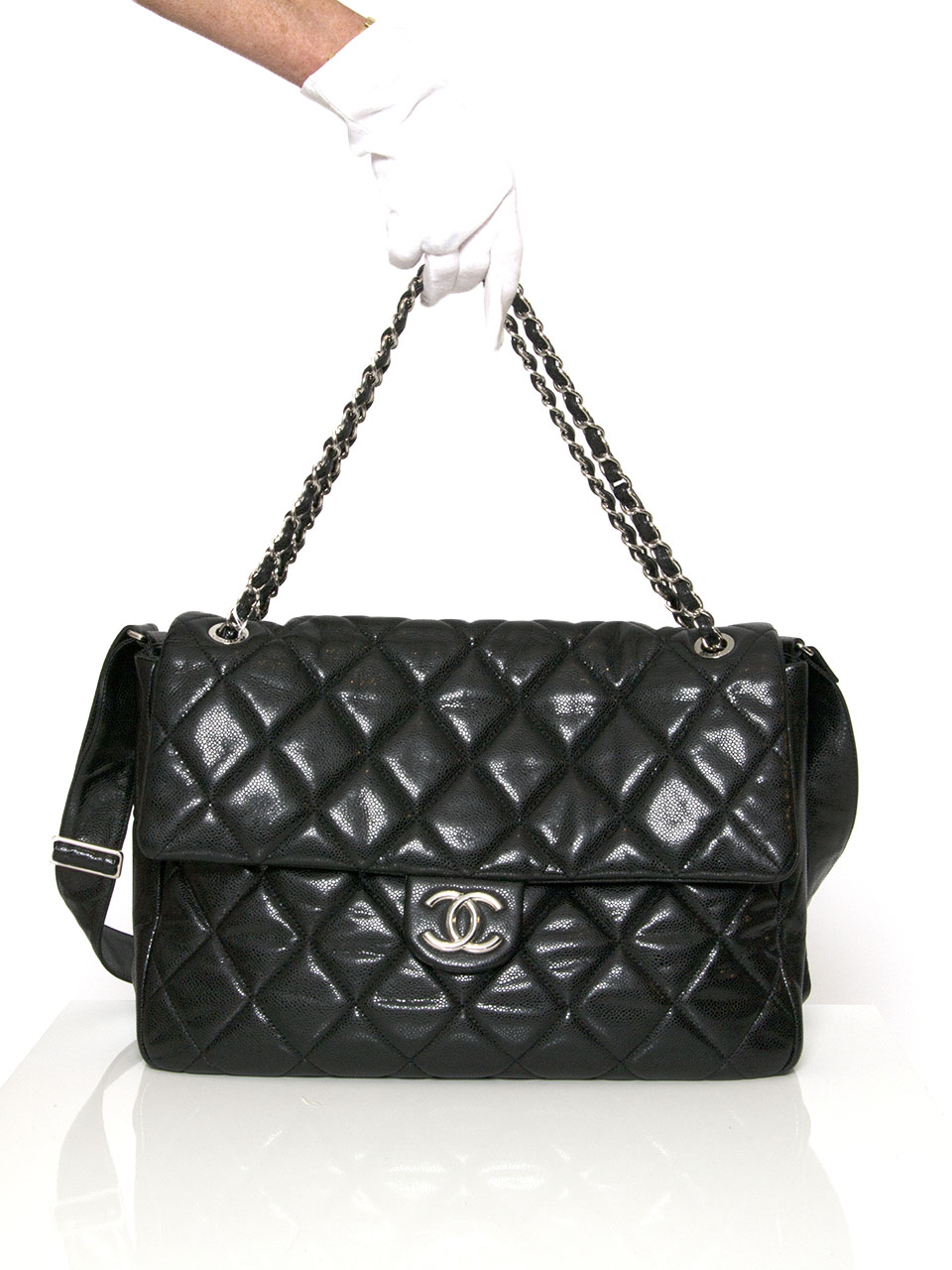 ca137b61ea63 ... LabelLOV authentieke tweedehands vintage Chanel handtas flap bag jumbo  2.55 tweedehands chanel caviar flap schouder tas in zwart kalfsleer