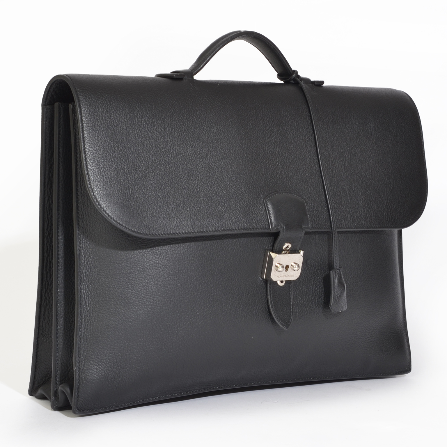 Preowned Hermes Sac à Dépêches Briefcase Togo Black PHW.   Shop secondhand Hermes Clutches at LabelLOV vintage webshop. Safe and secure online shopping!