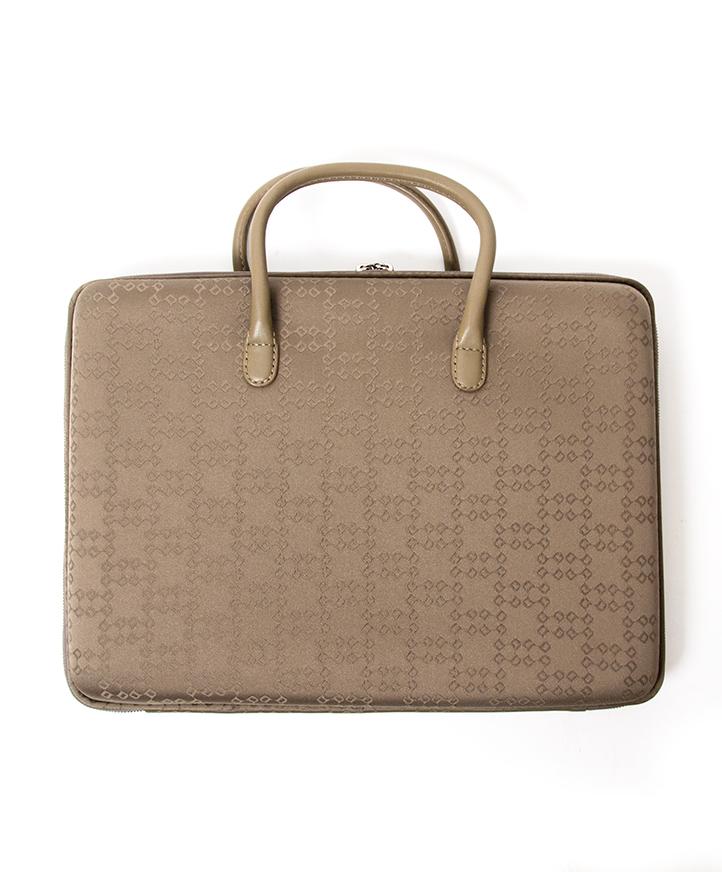 d0c2e83d387 ... koop veilig online tweedehands designer Delvaux Laptop case aan de  beste prijs, veilig online