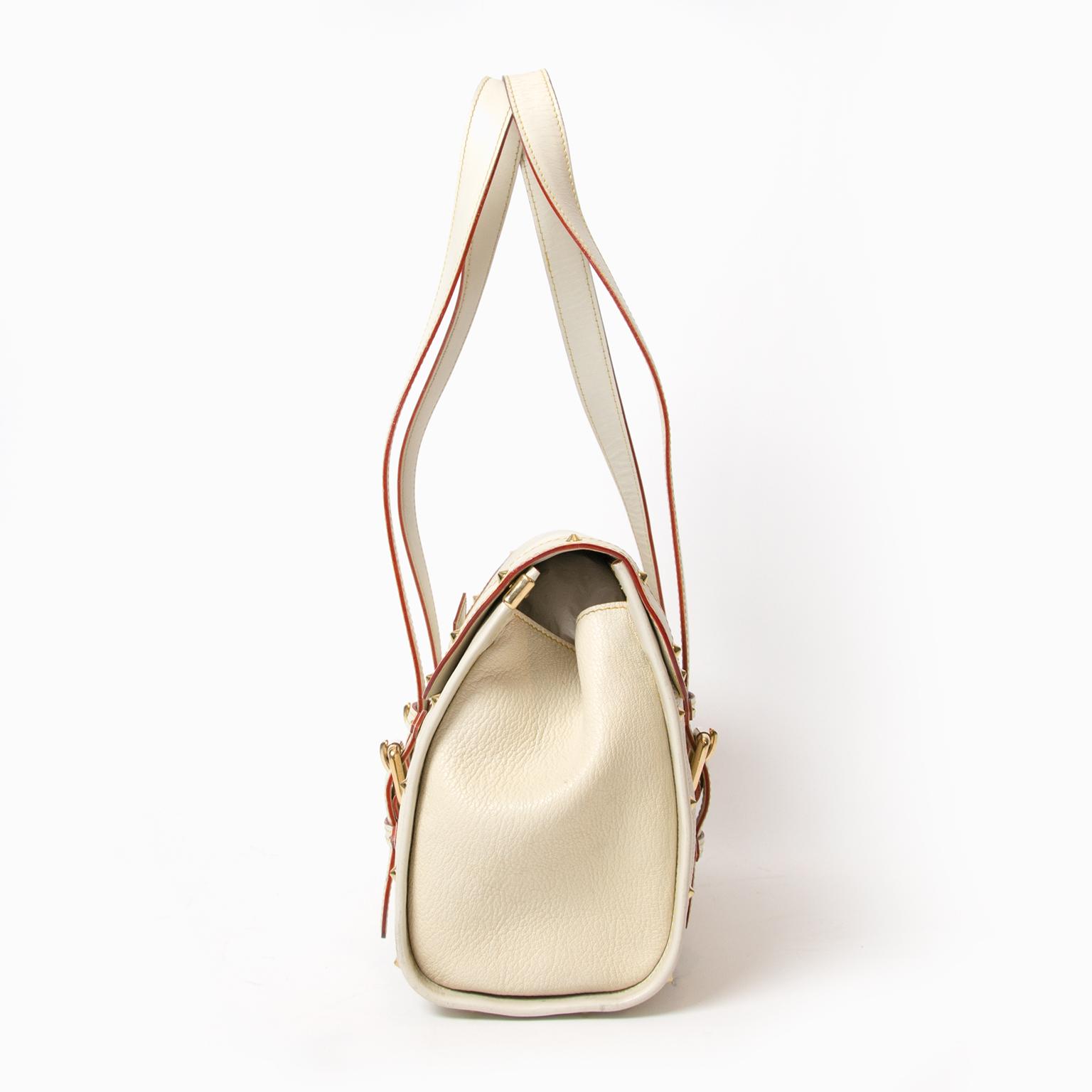 0767f018bc79 Louis Vuitton White Suhali Leather L Epanoui GM Bag acheter en ligne  seconde main Louis Vuitton L Epanoui GM Bag pour le meilleur prix