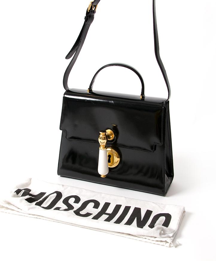... labellov moschino doorknob patent black handbag koop snel en voordelig  online tweedehads luxe designer tas net als 7d0b8aa72d