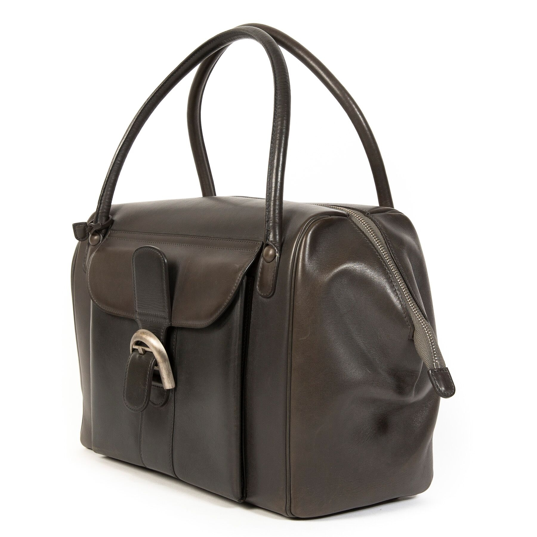 Buy authentic secondhand Delvaux Brilliant 12H at the right price at LabelLOV vintage webshop.