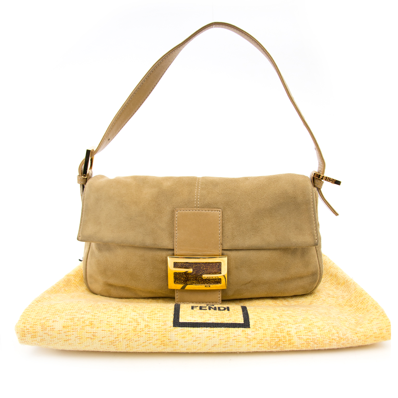 0bfb80ae2317 We buy and sell your secondhand Fendi Gold Suede Baguette Bag for the best  price Acheter secur en ligne votre sac Fendi Gold Suede Baguette pour le  meilleur ...