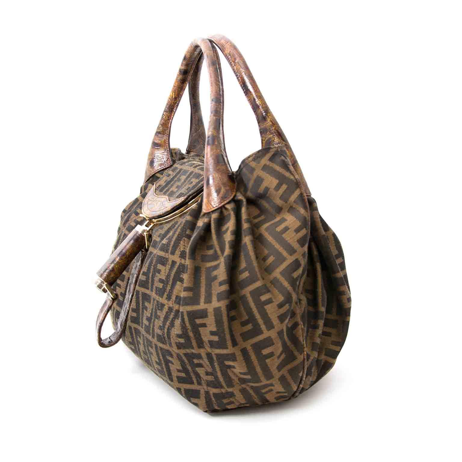 koop veilig online tegen de beste prijs Fendi Zucca Turtle Spy Bag