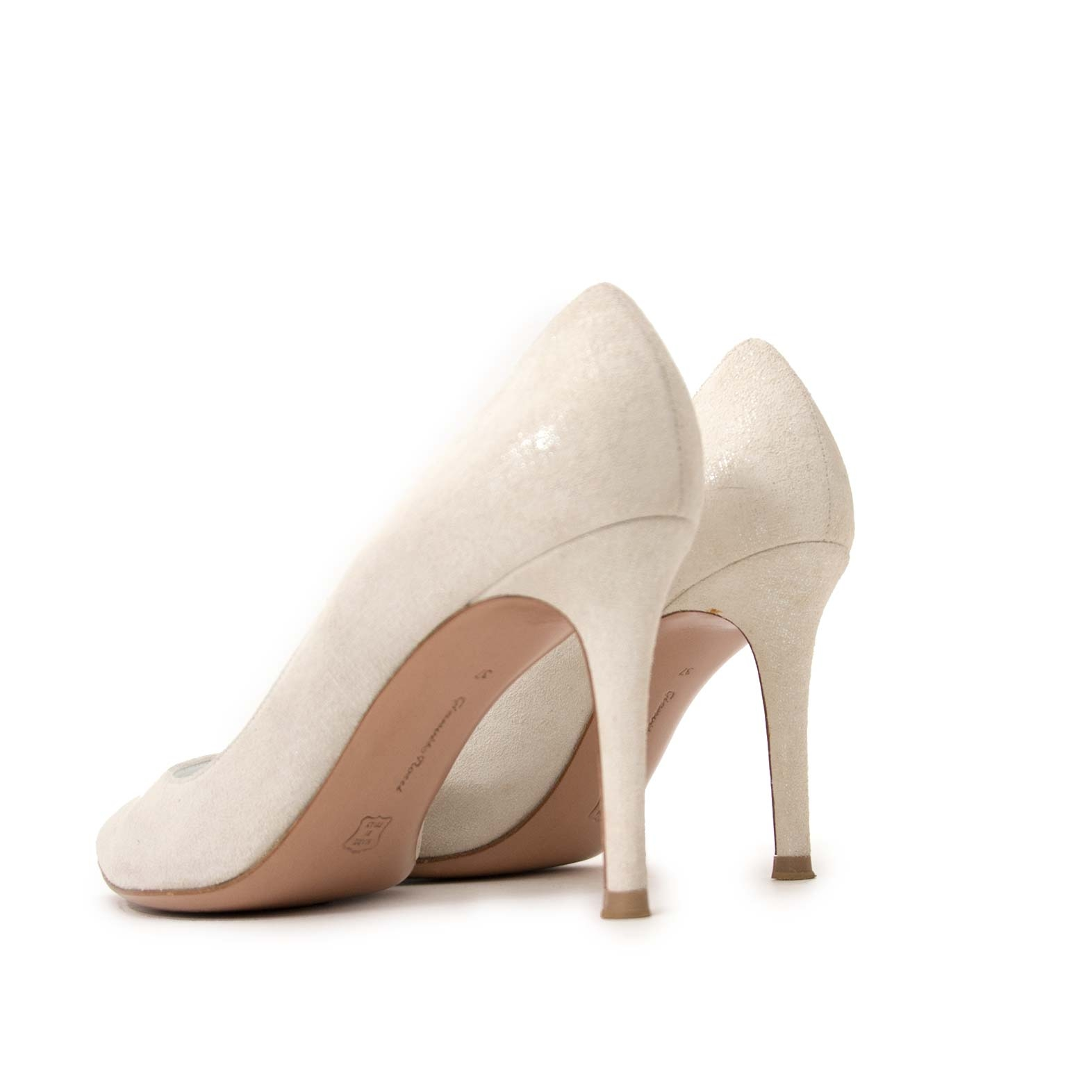 Gianvito Rossi White Metallic Pumps - size 37 for the best price at Labellov secondhand luxury