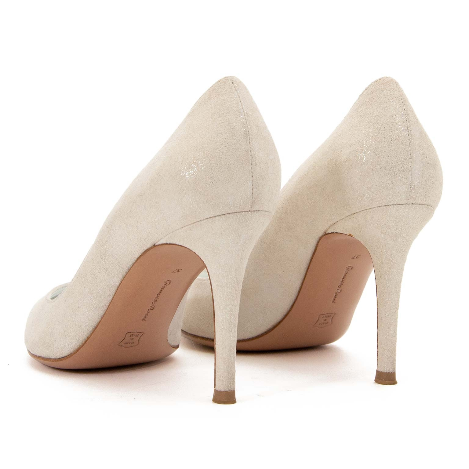 buy safe online second hand Gianvito Rossi White Shiny Suede Pumps - Size 37 at labellov antwerp for the best price
