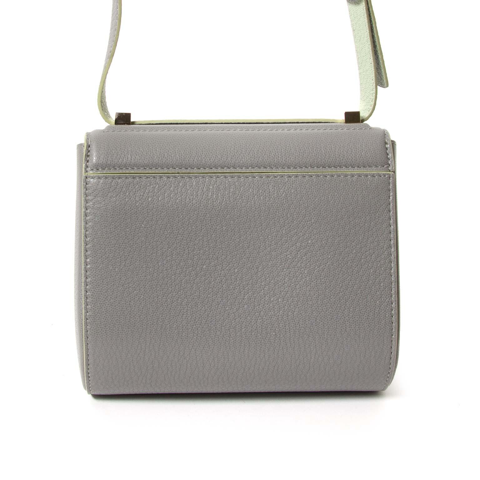 koop  Givenchy Pearl Grey Pandora Box Crossbody Bag  en betaal veilig online