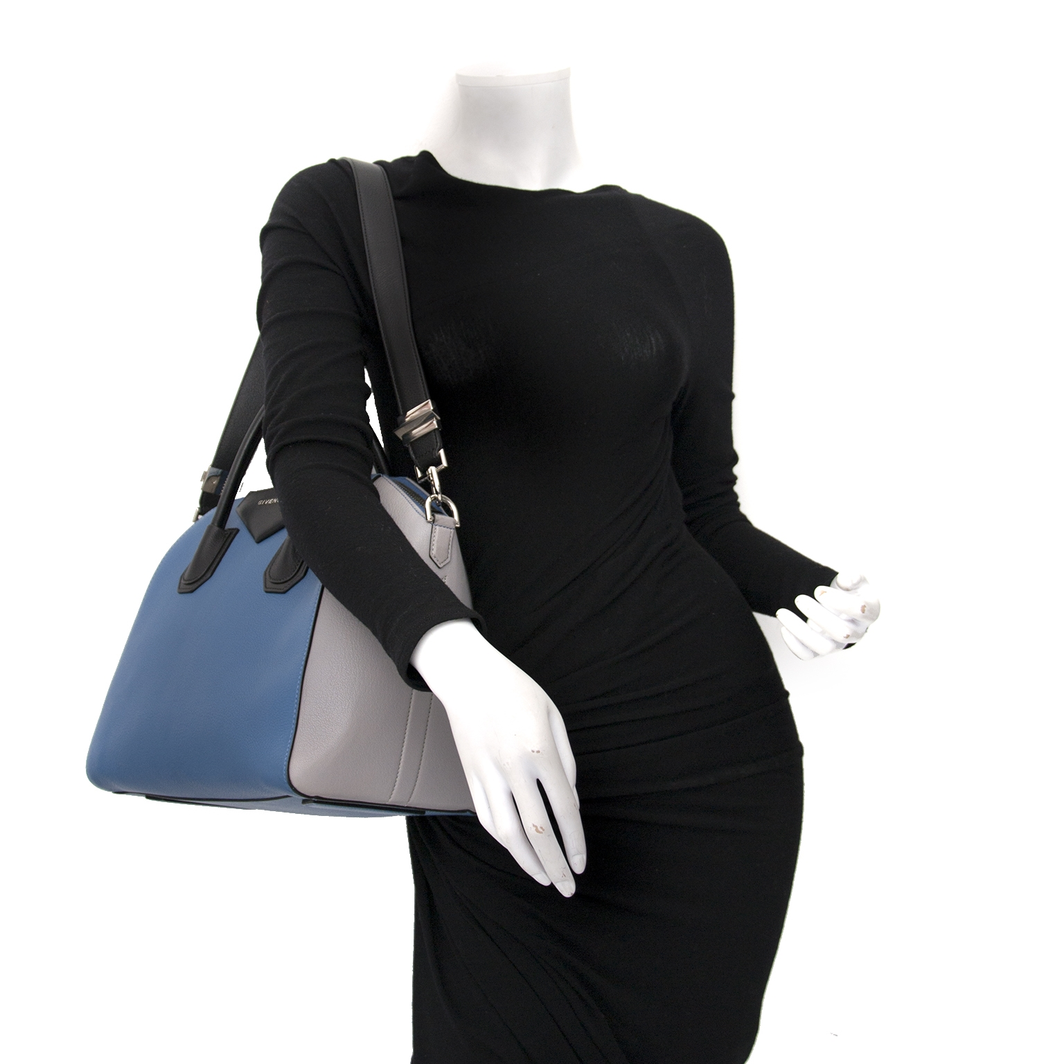 Buy authentic designer bags at the best price at Labellov. Safe and secure shopping.