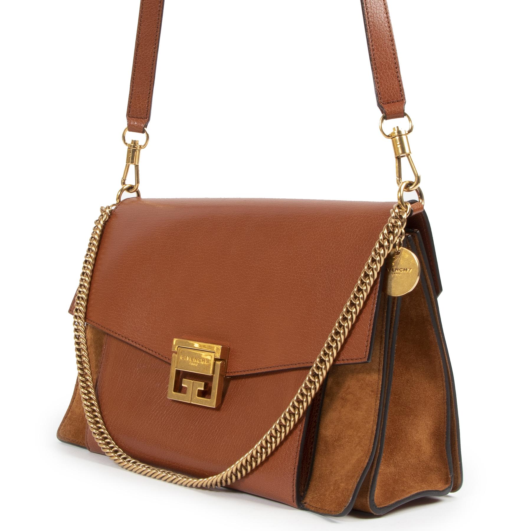 acheter en linge seconde main Givenchy Chestnut Medium GV3 Shoulder Bag
