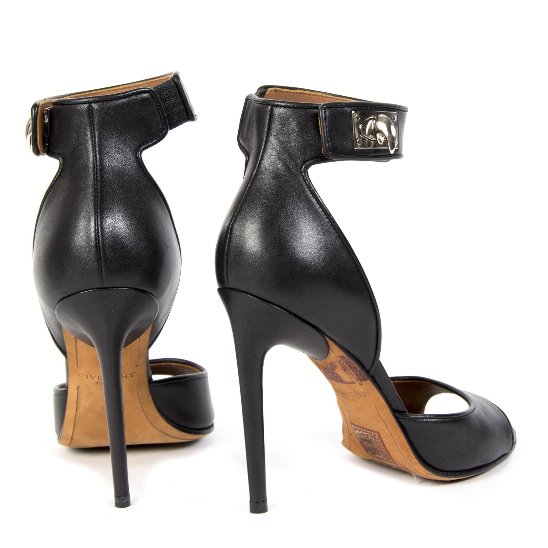 100% authentic Givenchy Shark Sandal Pumps - Size 36,5