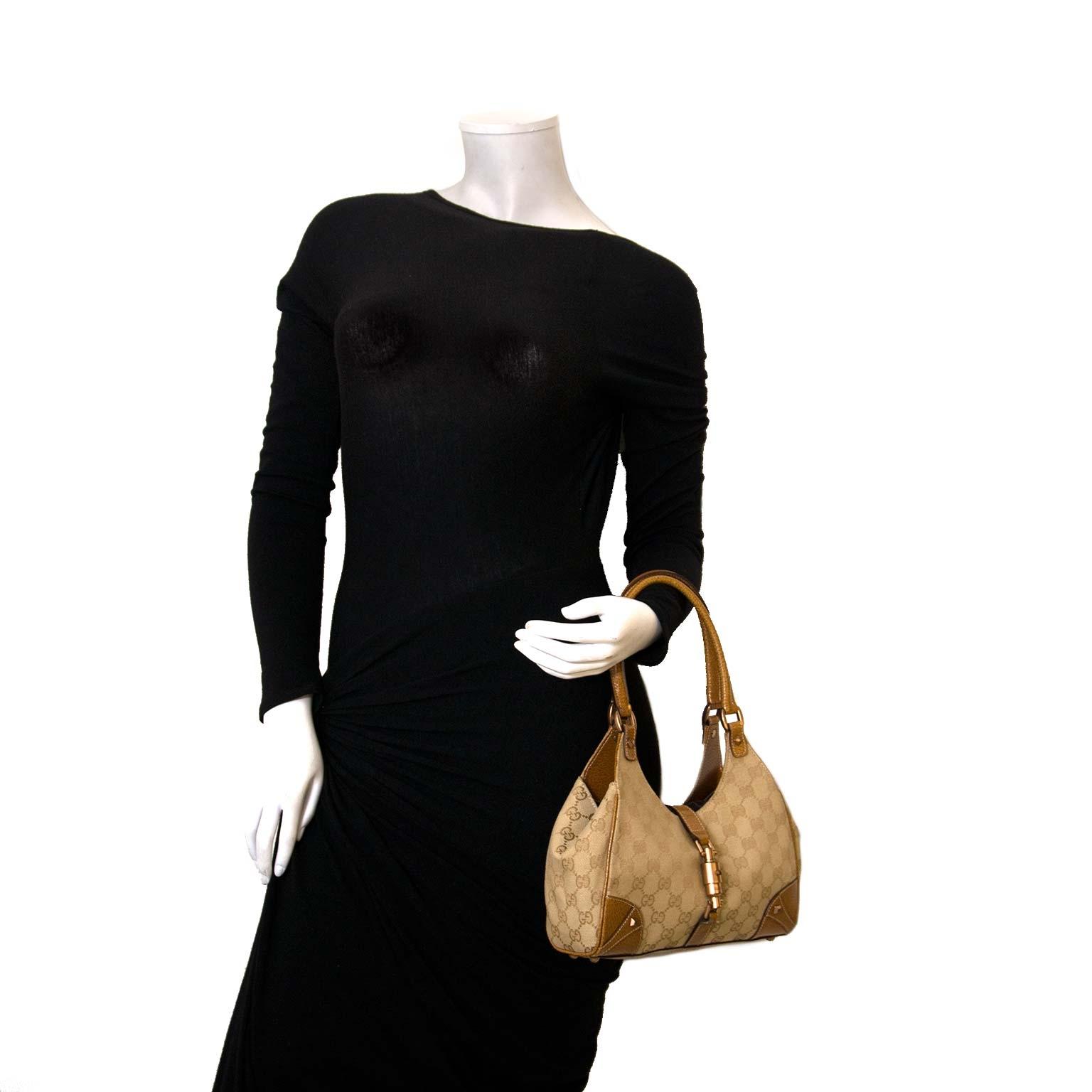Koop authentieke Gucci tassen nu online bij Labellov vintage fashion webshop