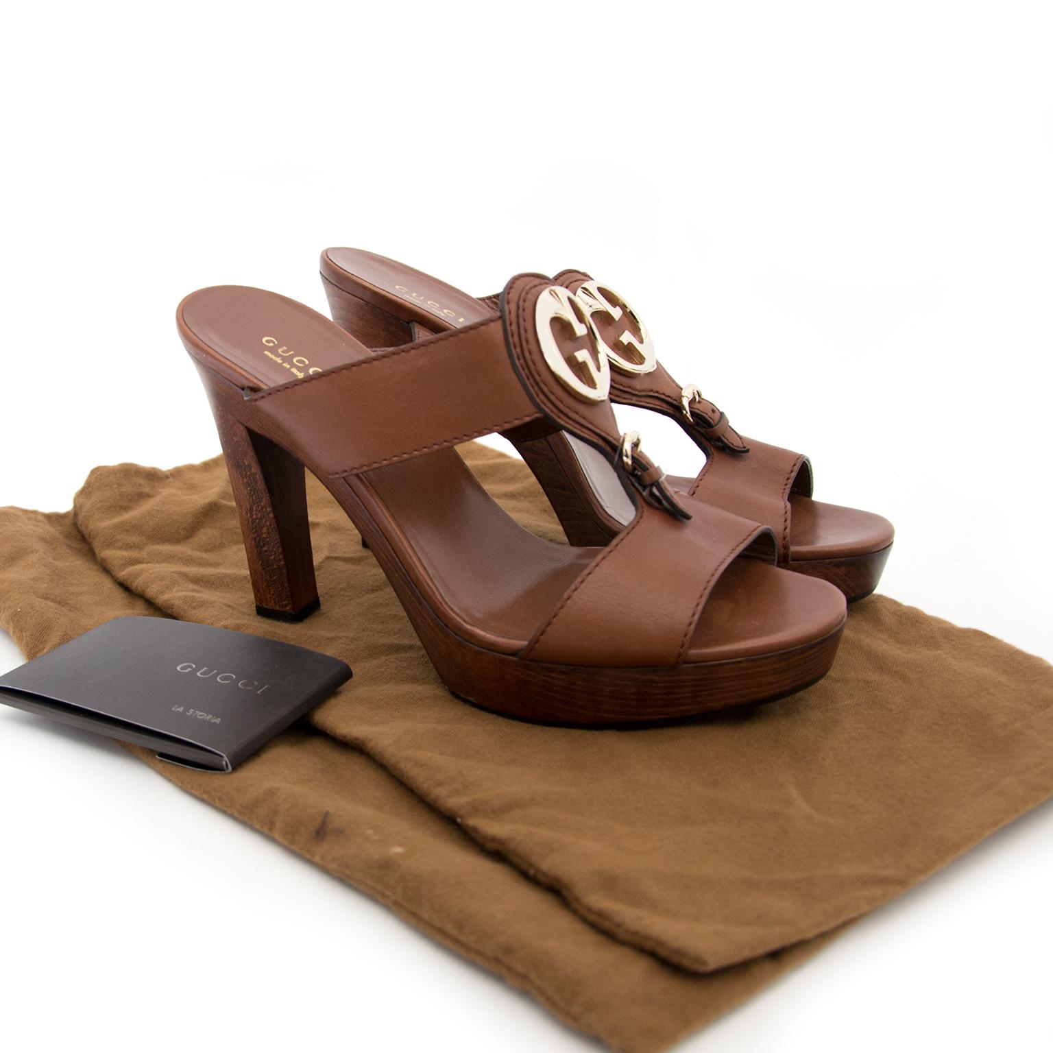 Acheter des Gucci Brown Wood Heels size 39,5 en ligne chez Labellov