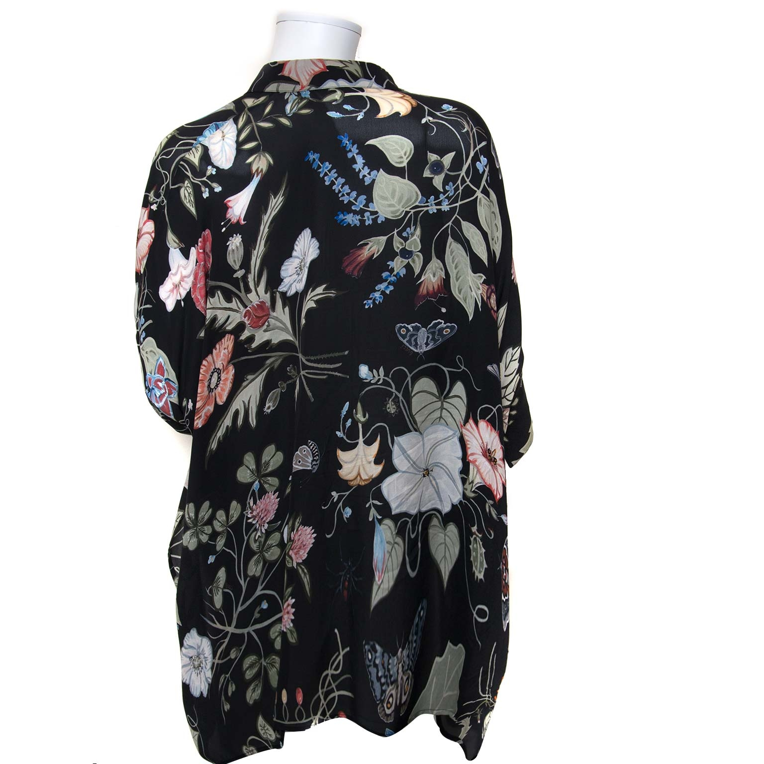 b04b0a8a2bb ... gucci silk flower blouse now for sale at labellov vintage fashion  webshop belgium