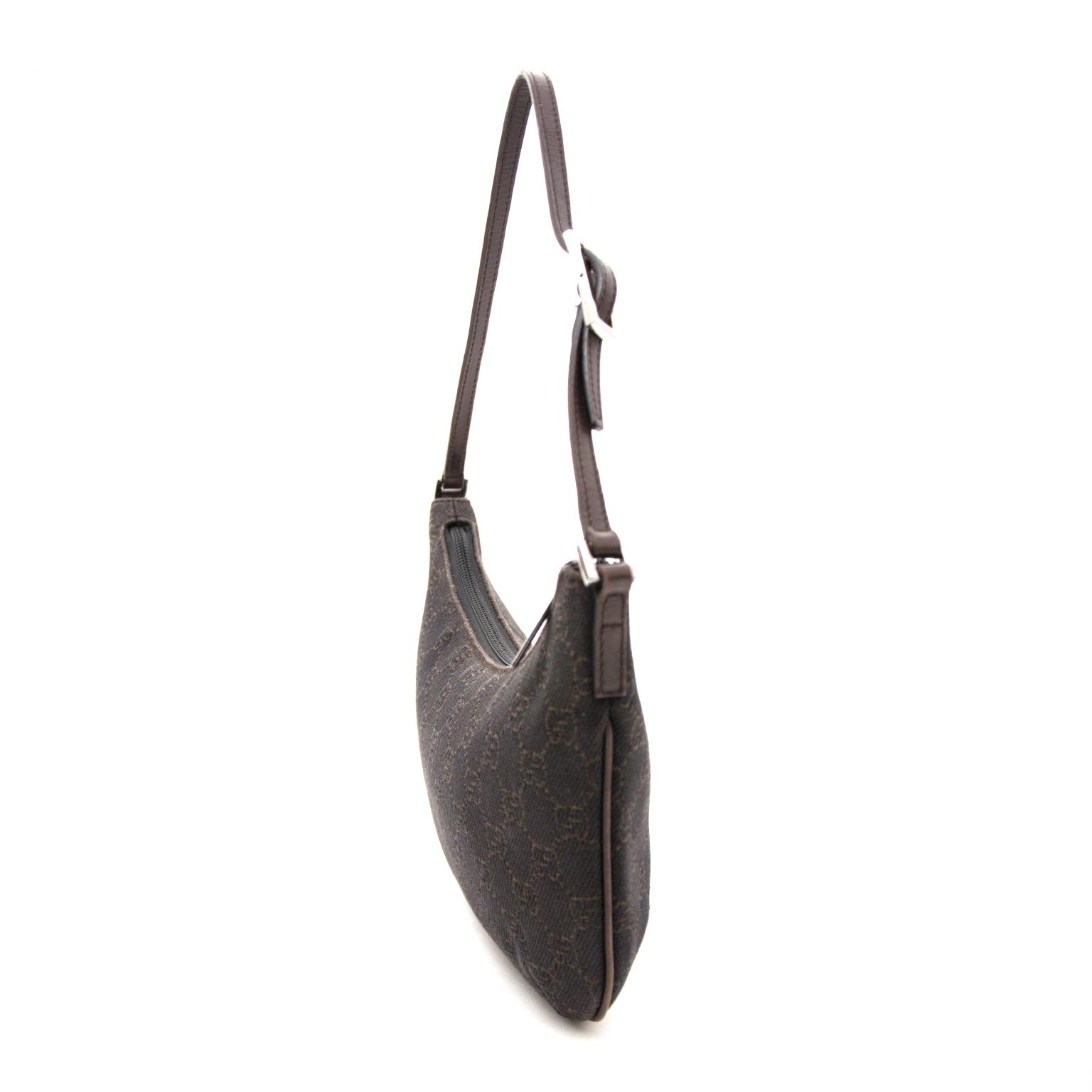 80c79890624850 ... Gucci Braune Baguette Monogram Shulterhandtasche heute online auf  labellov.com gegen den besten Preis.