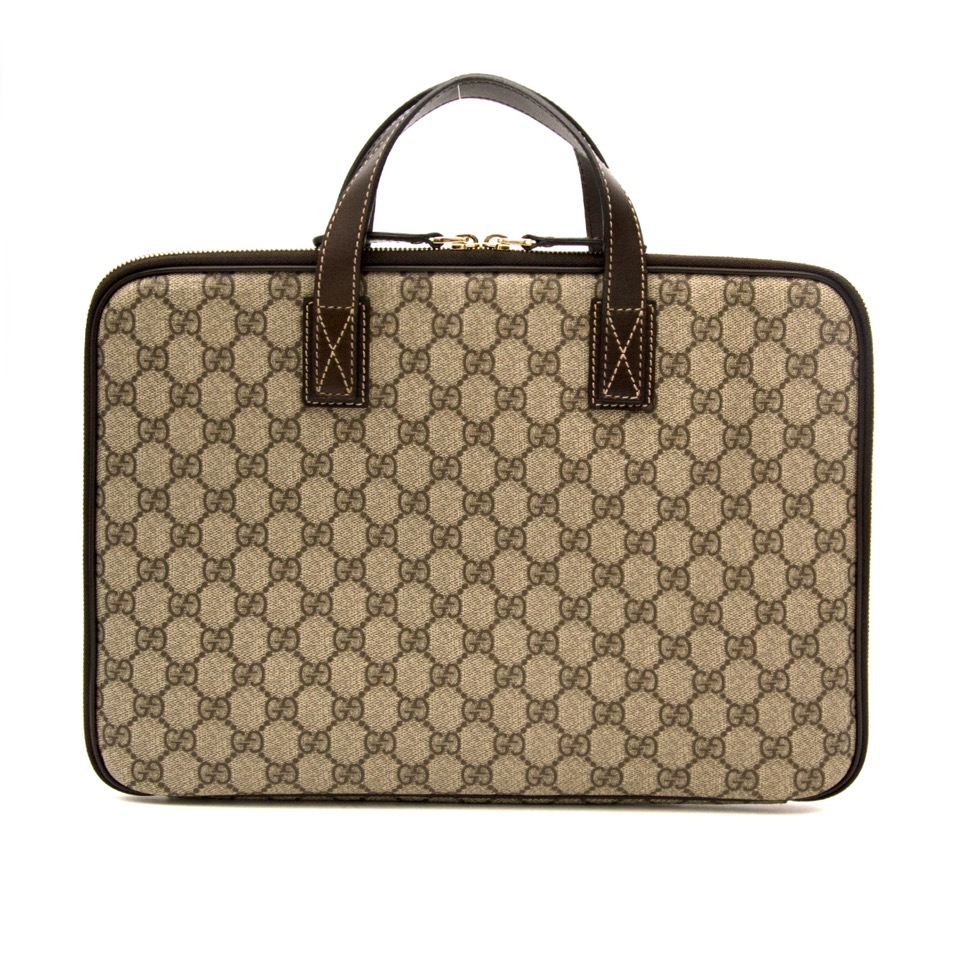4aded0cba6 ... Acheter secure en ligne Gucci Monogram Laptop Case pour le meilleur prix