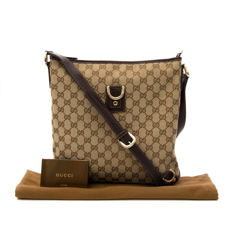 Wij kopen en verkopen uw designer handtassen aan de beste prijs bij Labellov
