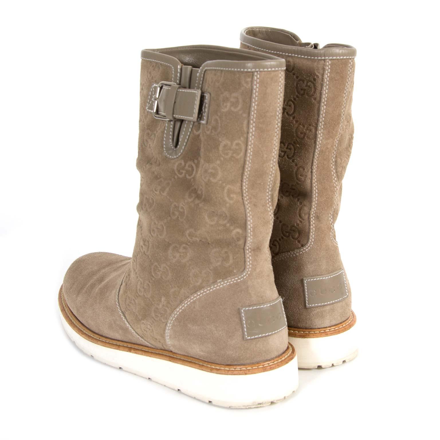 koop veilig online tweedehands Gucci Taupe Suede Monogram Boots - size 39
