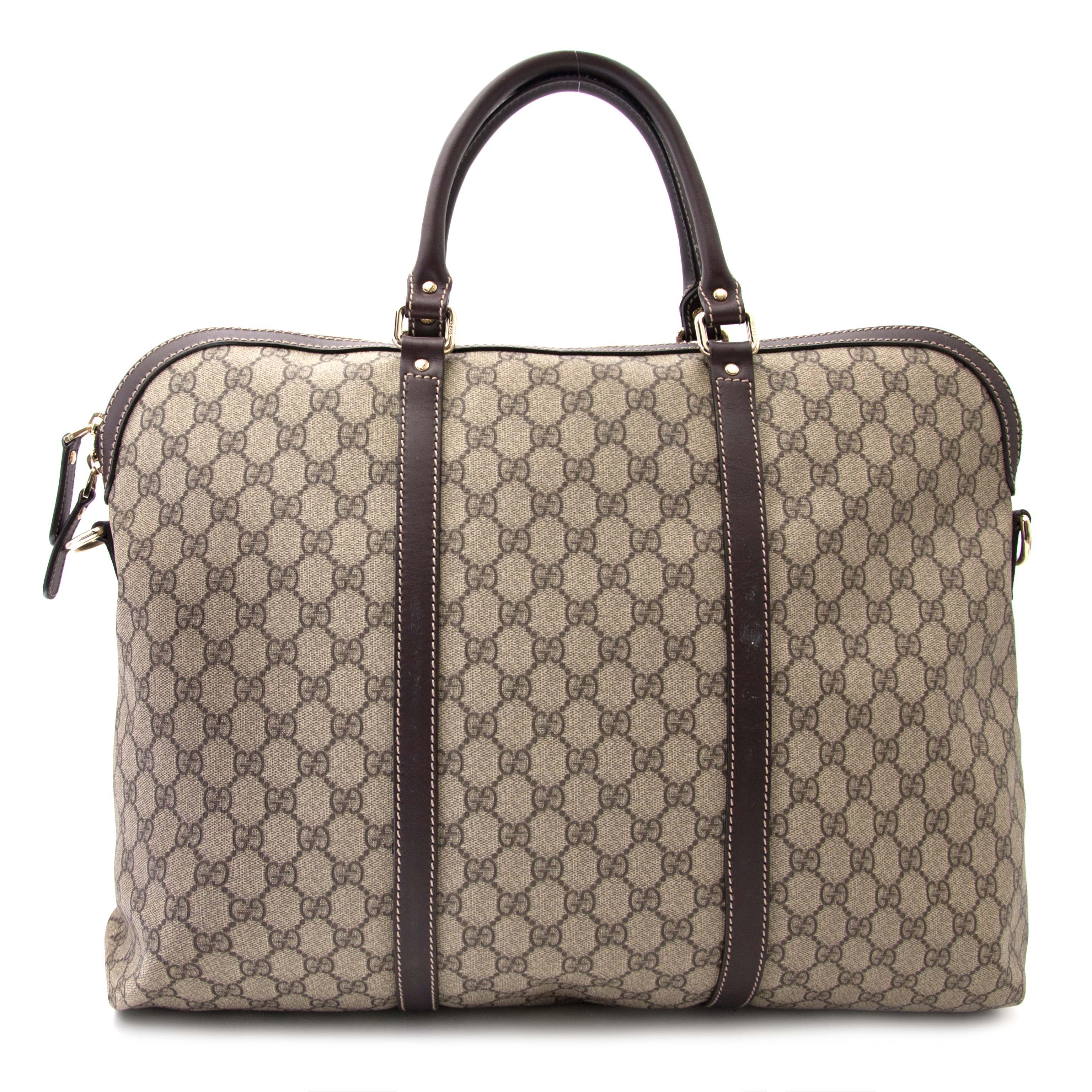 da7214fee06113 Labellov Buy authentic vintagePrada designer bags, shoes, clothes ...