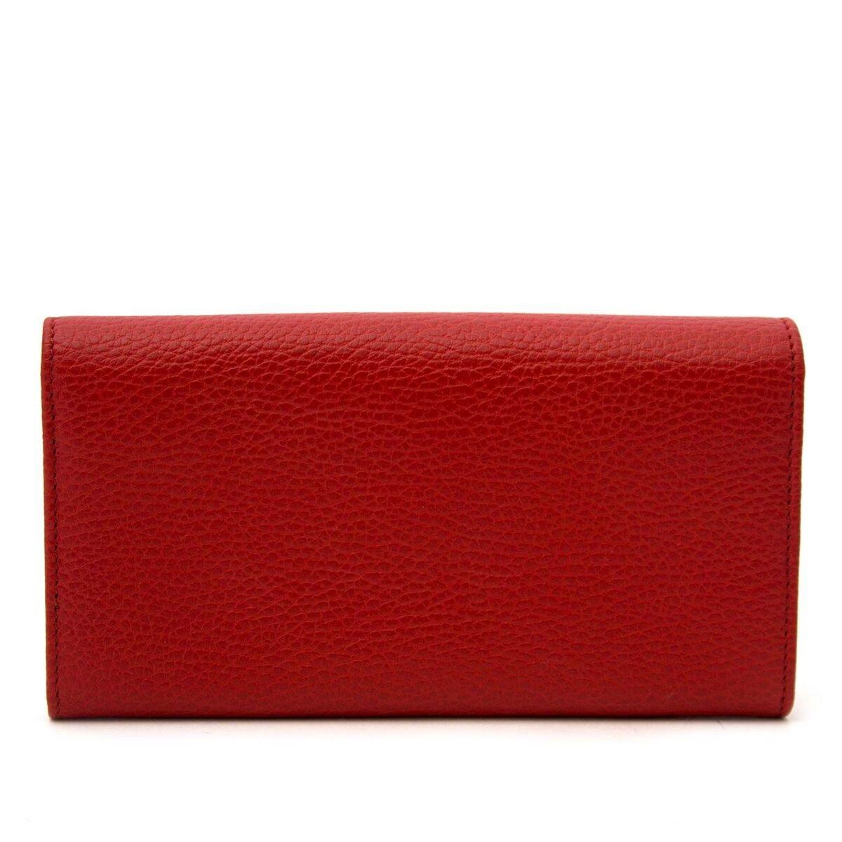 Koop authentieke tweedehands Gucci rode portefeuilles aan een eerlijke prijs bij LabelLOV. Veilig online shoppen.