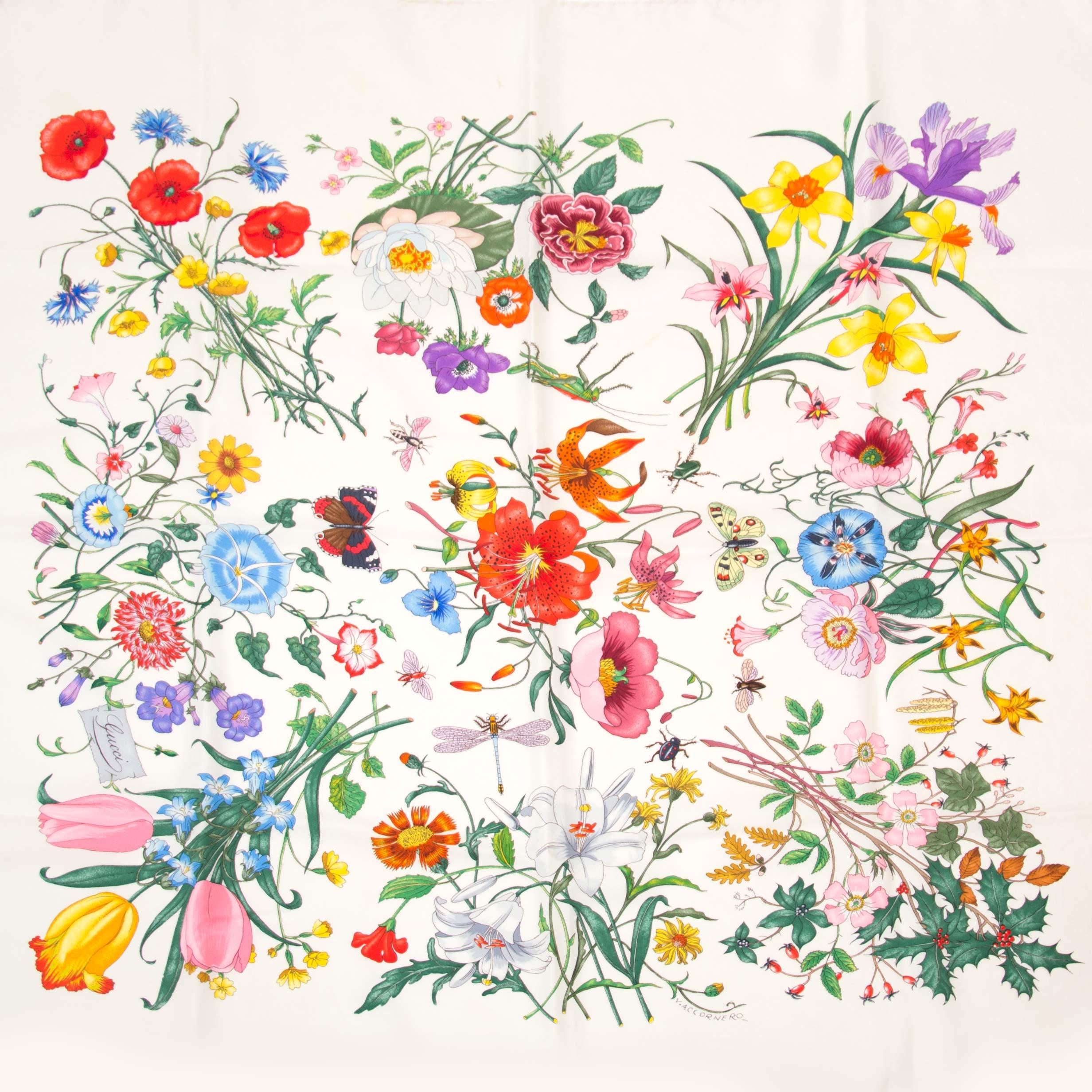 Koop nu veilig online jouw tweedehands Gucci White Flora Silk Scarf op labellov.com