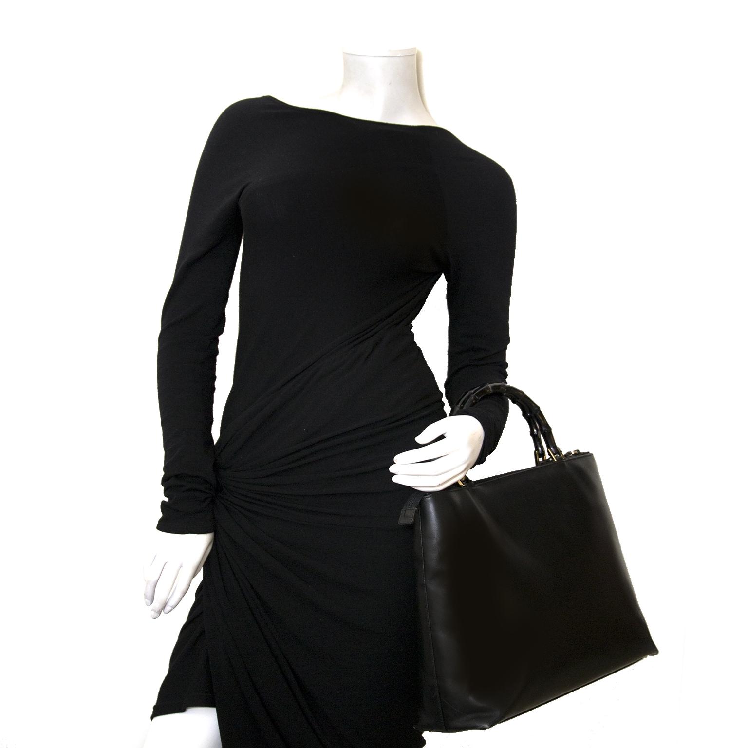 ... gucci zwarte bamboo tas nu te koop bij labellov vintage mode webshop  belgië d6676e55e1a9