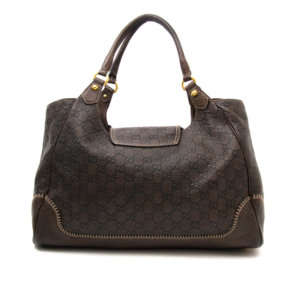 Vintage Gucci Hobo bag for the best price at Labellov webshop. Safe and secure online shopping with 100% authenticity. Vintage Gucci hobo bag pour le meilleur prix.