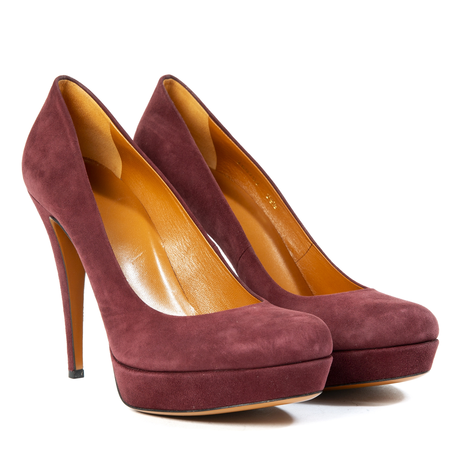 gucci bordeaux suede pumps now for sale at labellov vintage fashion webshop belgium