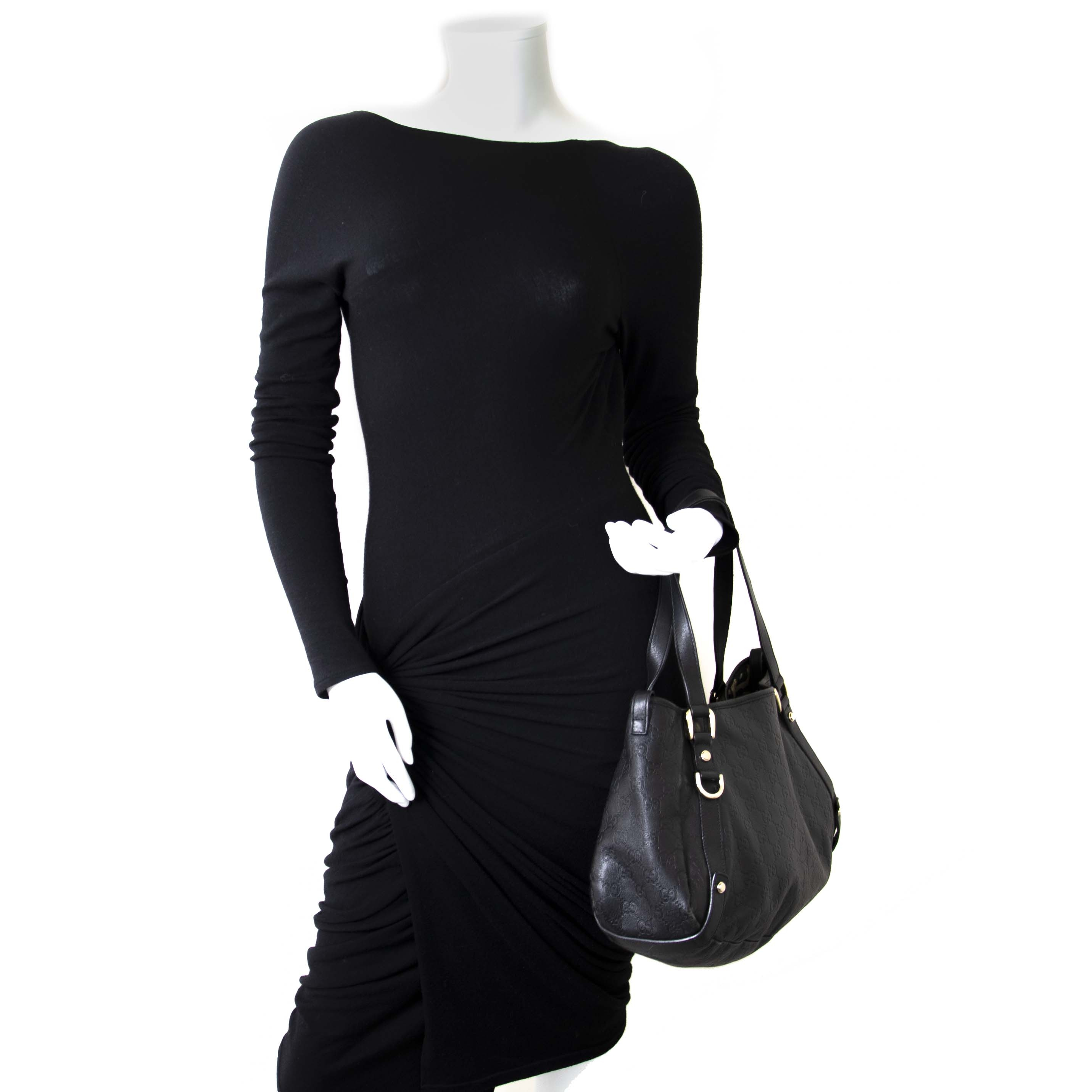... Gucci Guccissima Leather Medium Abbey Tote Bag now for sale at labellov  vintage fashion webshop belgium 8b53e9347ab16