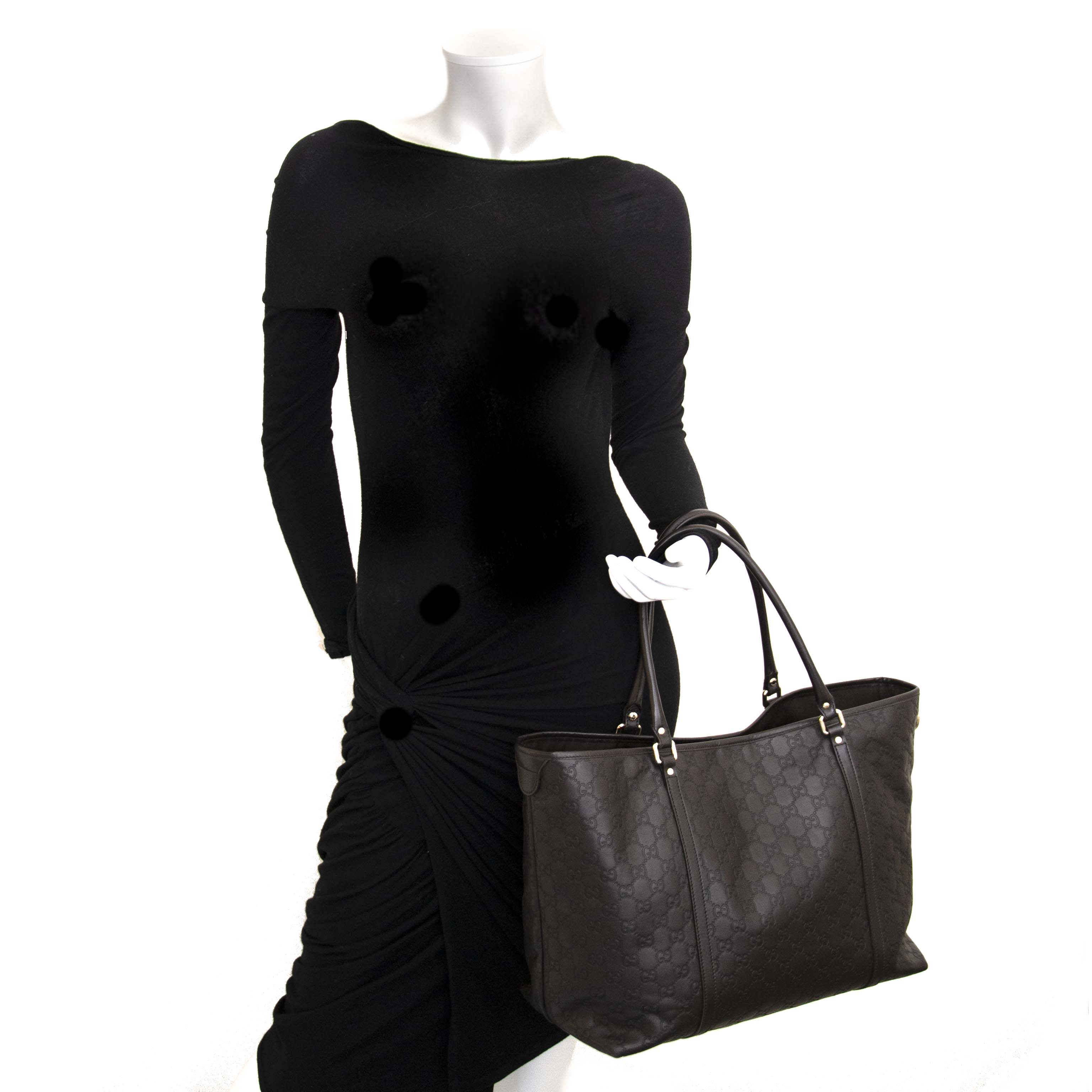 Vintage designers bags at Labellov at a fair price. Online shopping