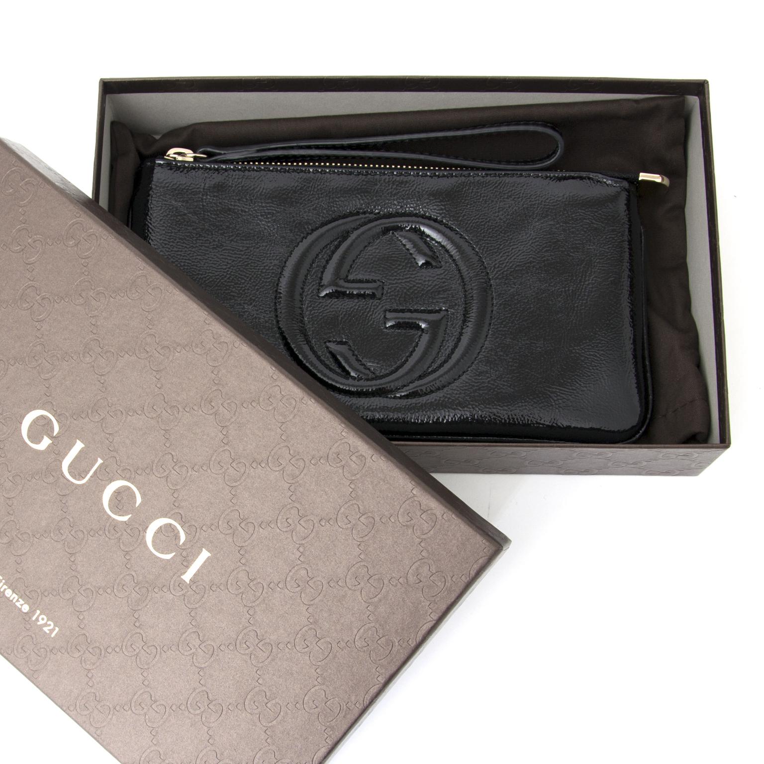 shop safe online at the best price secondehand designer Gucci Black Soho Patent Leather Wristlet/Clutch