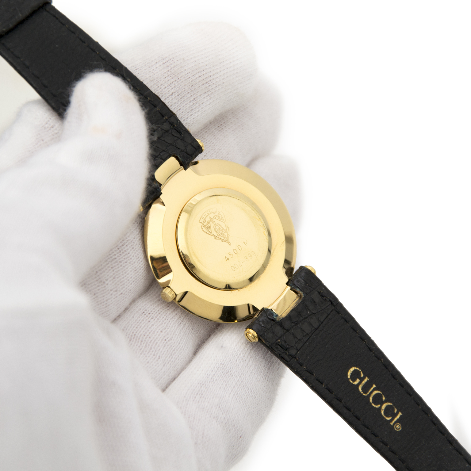 576d4ecfa ... Buy now safe and secure a real gold plated Gucci watch on www.labellov.