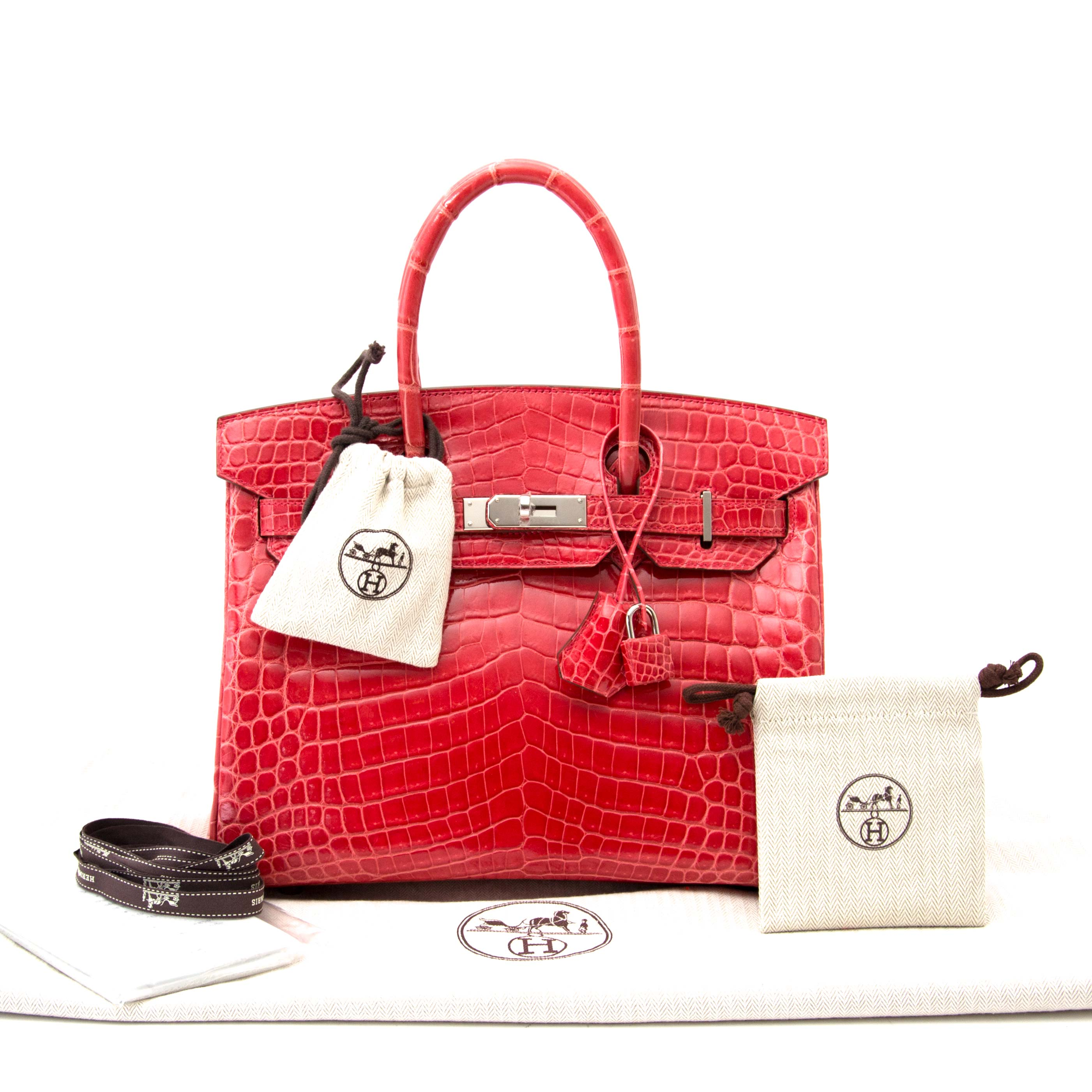 buy safe and secure online at labellov.com, the luxury secondhand webshop in antwerp, belgium. Hermès Birkin 30 crocodile Niloticus matte geranium.