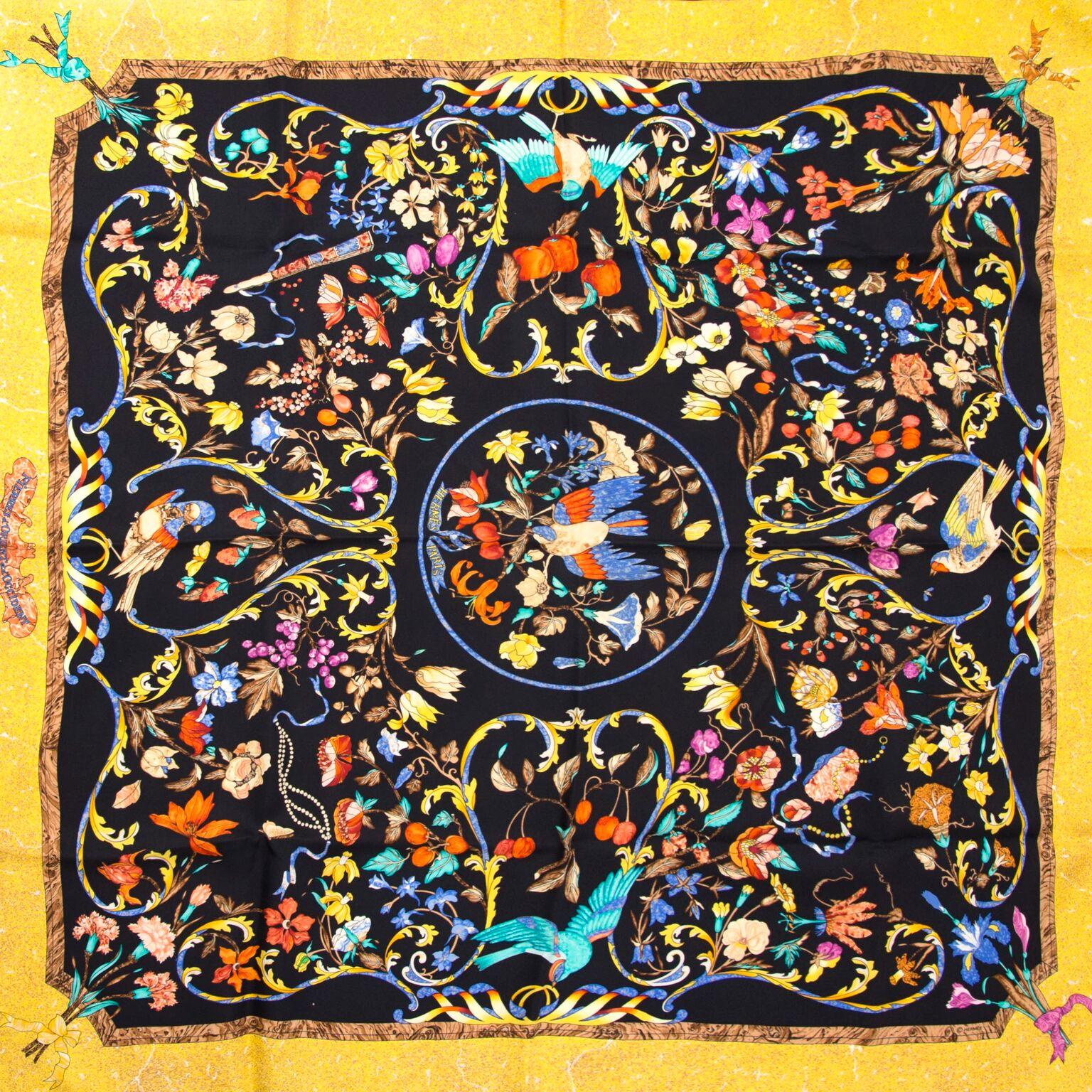 Prachtige zijden sjaal van Hermès, nu te koop op labellov.com