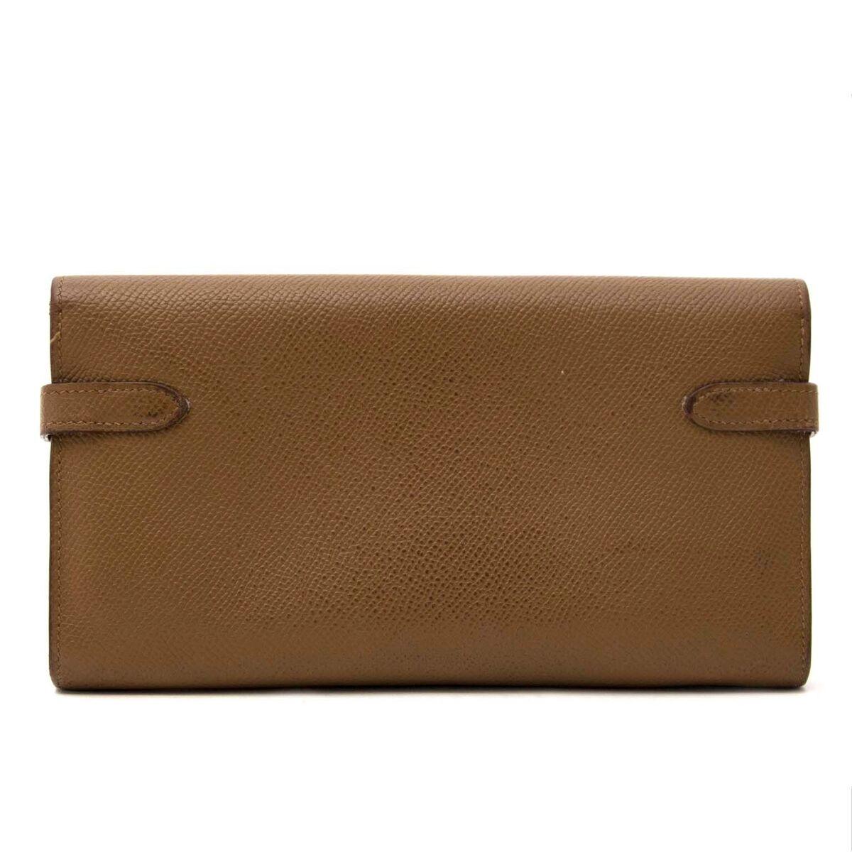 Koop authentieke tweedehands Hermes in epsom portefeuilles aan een eerlijke prijs bij LabelLOV. Veilig online shoppen.