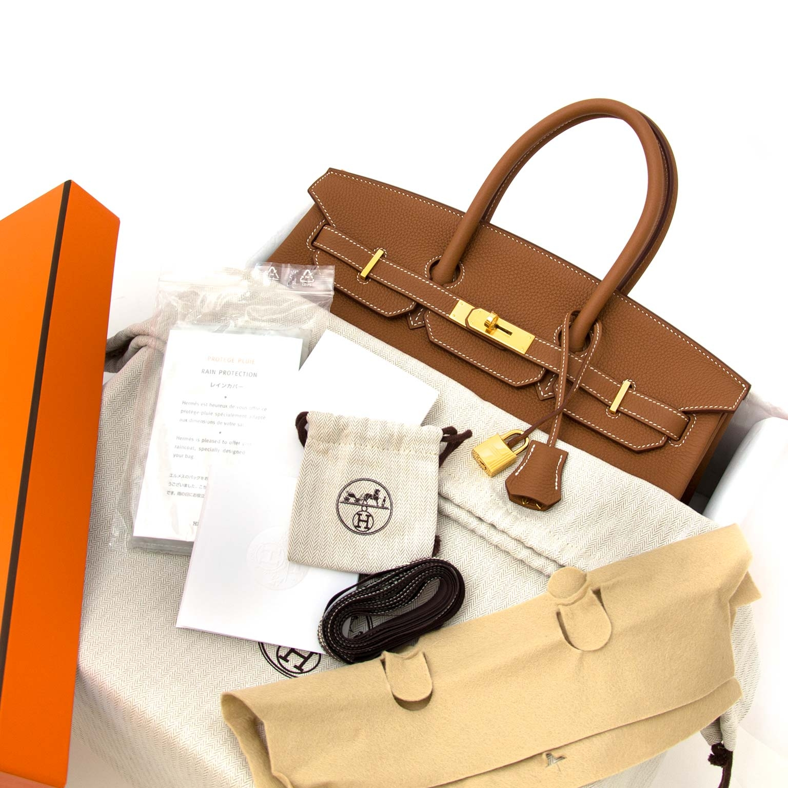 100% authentic Hermès Birkin 35 Togo Gold GHW now at labellov.com without a waitinglist