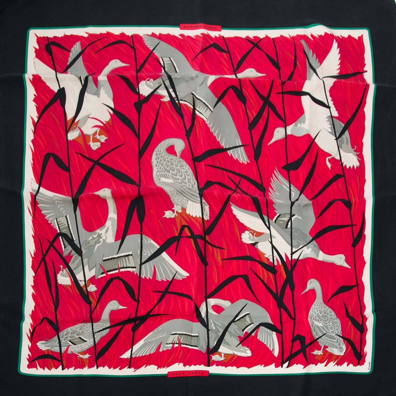 koop authentieke tweedehands Hermès cols verts sjaal bij labellov vintage mode webshop belgië antwerpen