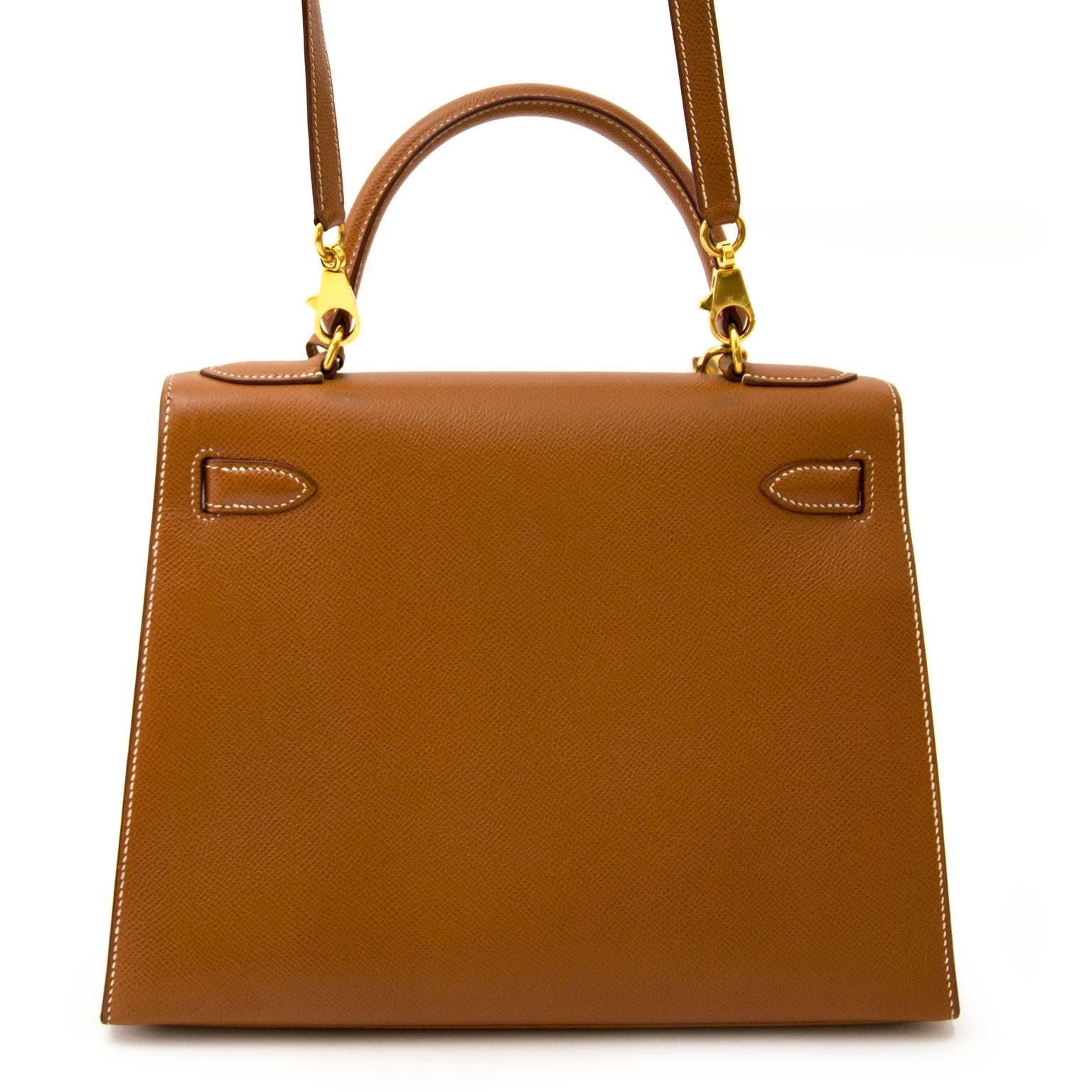 shop safe ands ecure online at labellov.com Hermès Kelly 28cm gold cuir courchevel GHW skip the waitinglist
