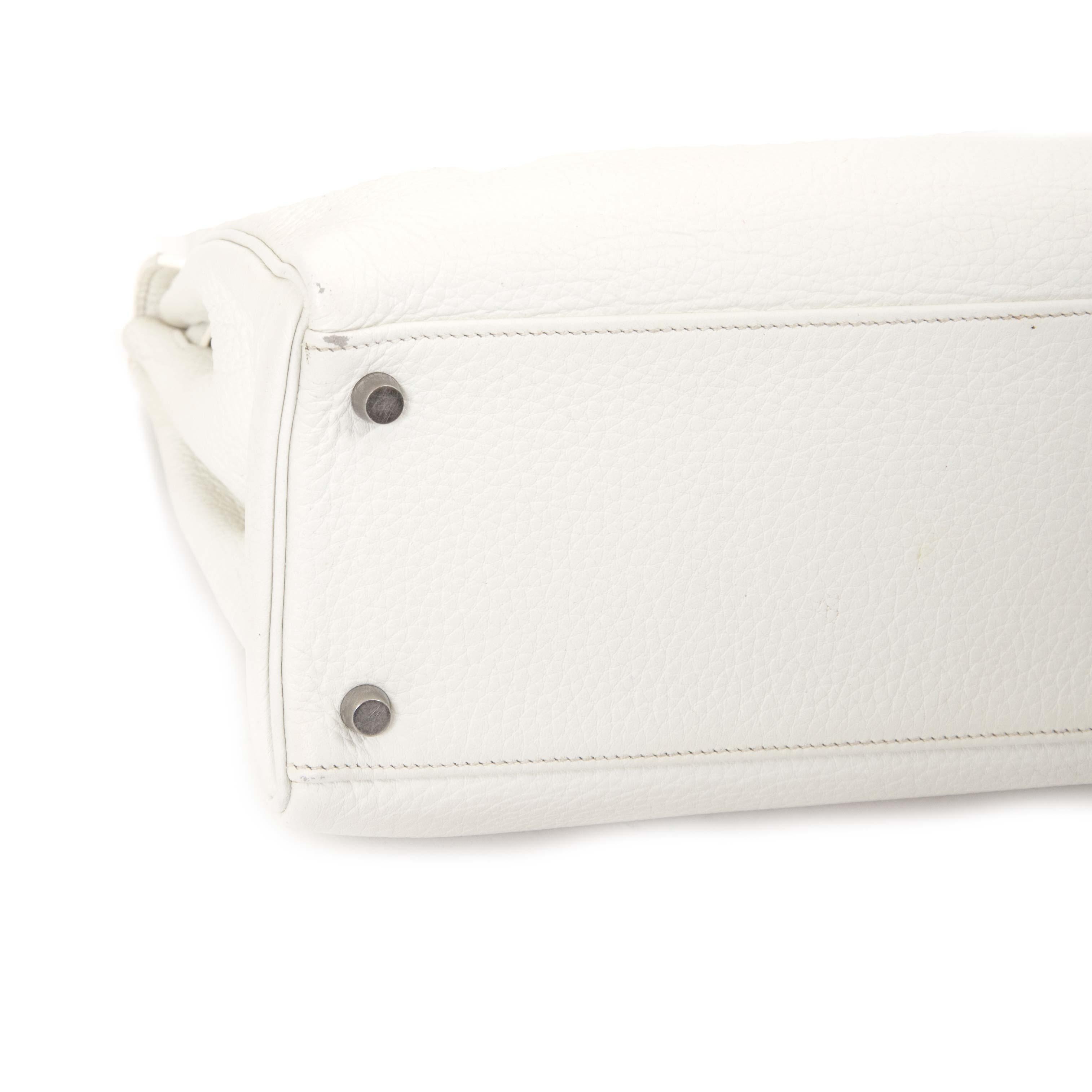 Koop tweedehands luxe tassen van Hermes bij Labellov
