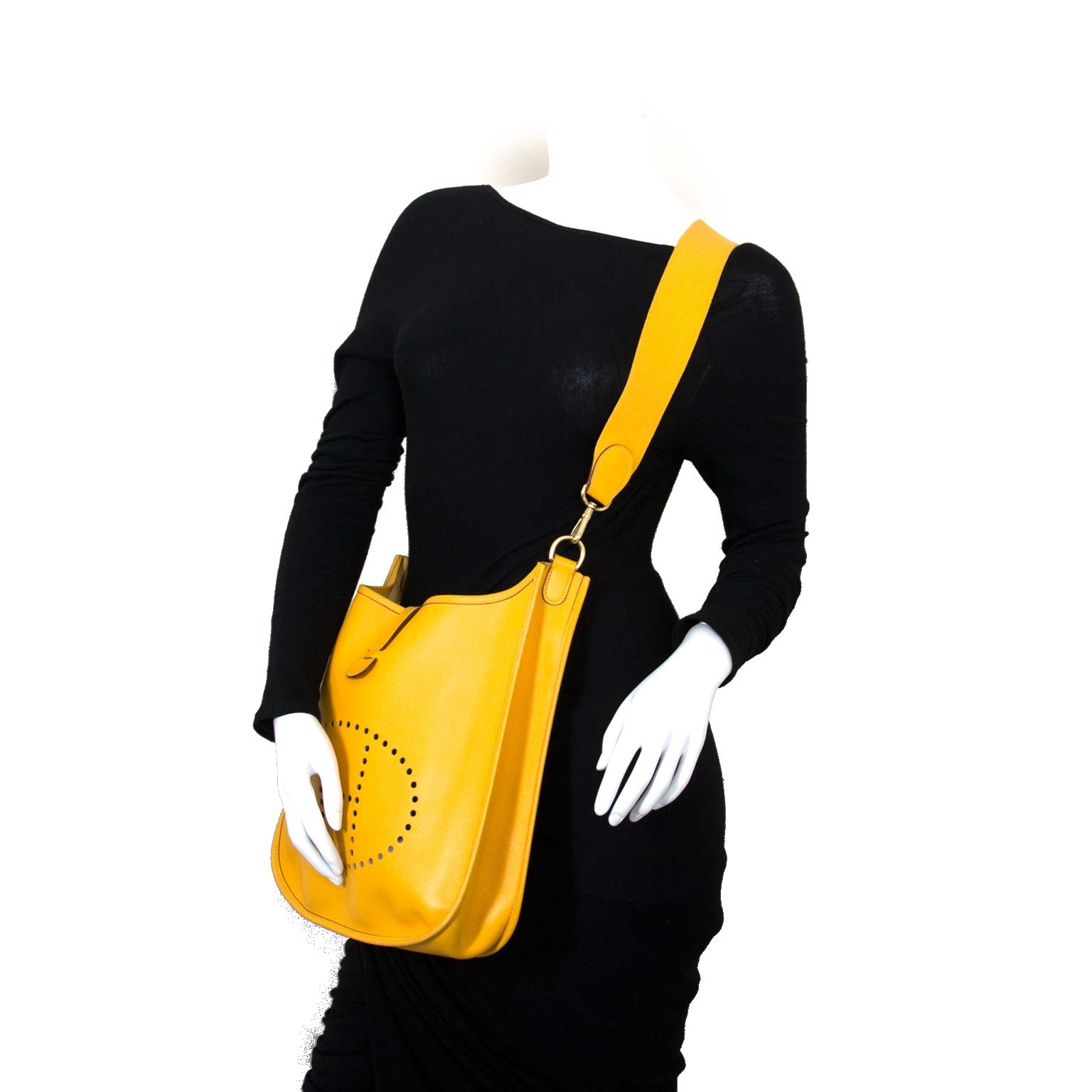 hermès yellow evelyne III 33 Bag now for sale at labellov vintage fashion webshop belgium