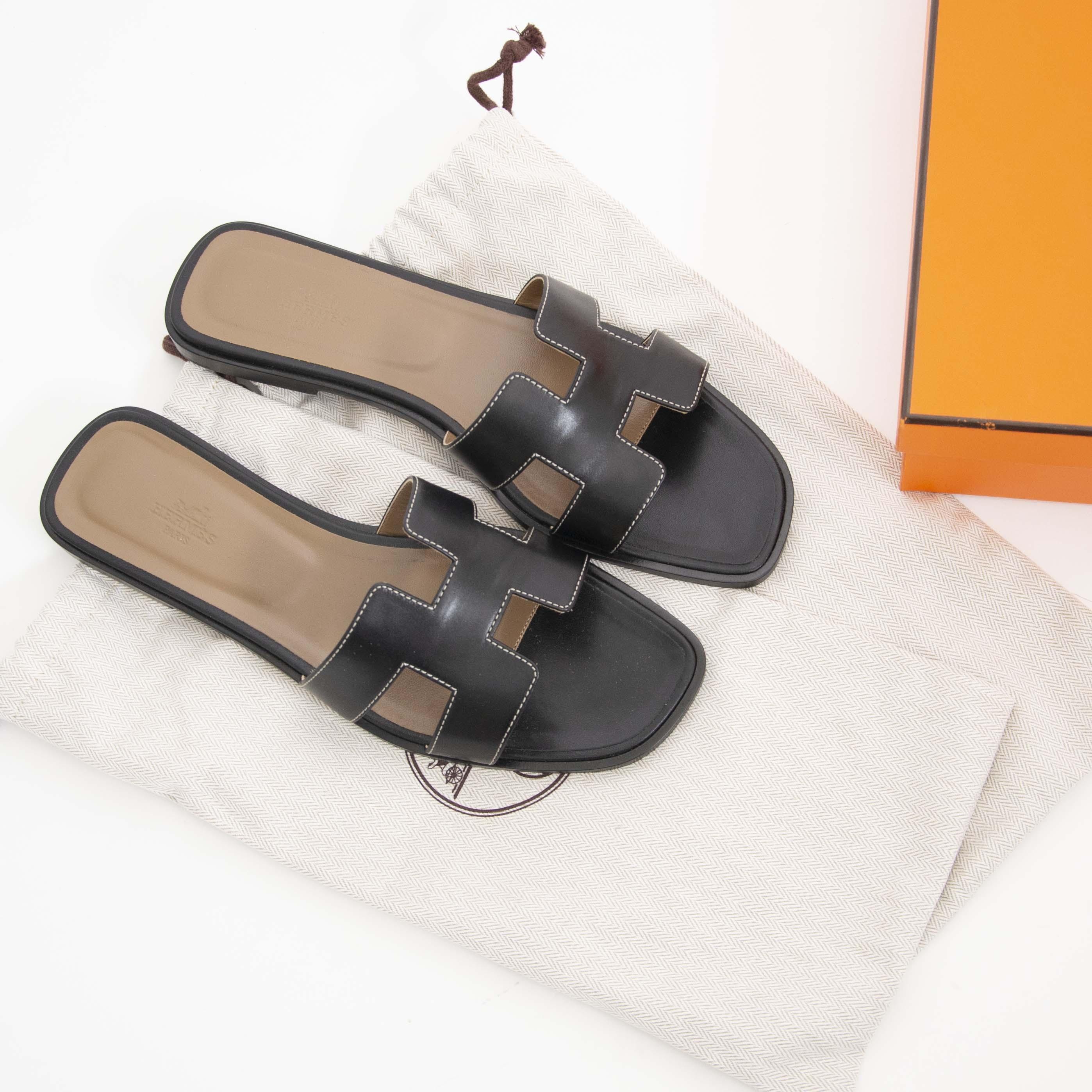 acheter en ligne seconde main Hermes Black Oran Boxcalf Sandale  - size 41