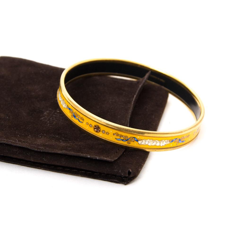 koop veilig online aan de beste prijs Hermès Enamel Yellow Bangle Bracelet