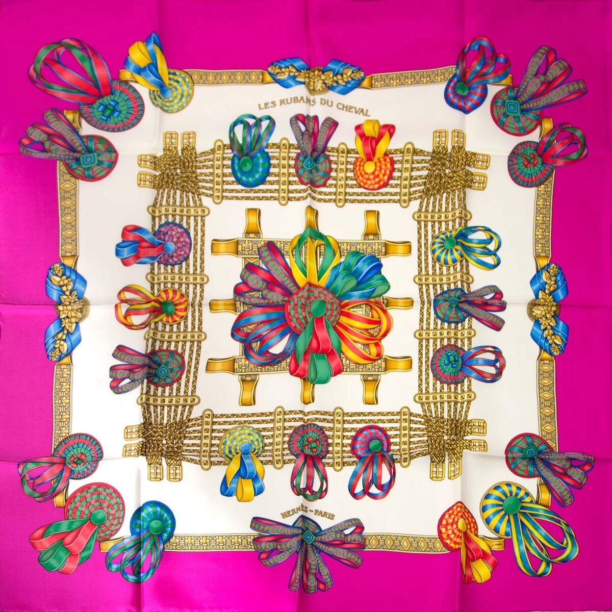 Koop authentieke tweedehands Hermes carré sjaals aan een eerlijke prijs bij LabelLOV. Veilig online shoppen.