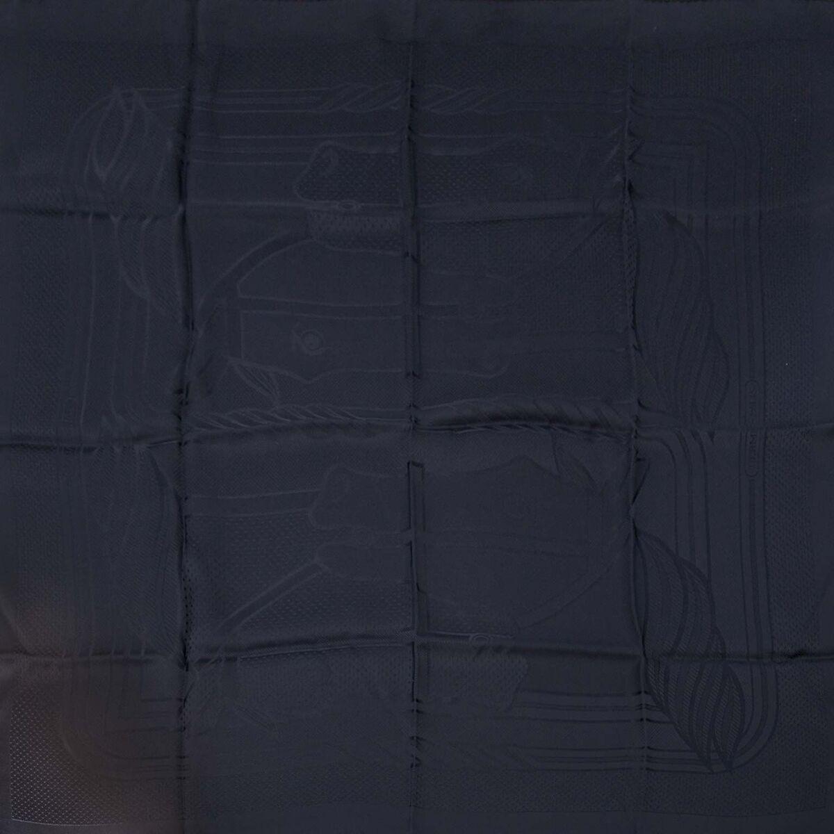 Koop authentieke tweedehands Hermes sjaals aan een eerlijke prijs bij LabelLOV. Veilig online shoppen.