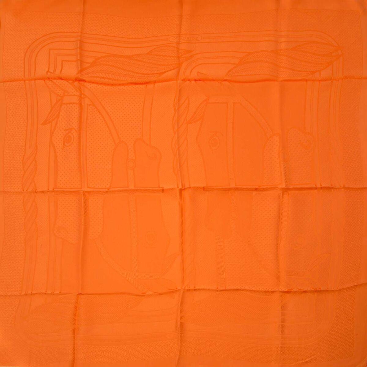 Koop authentieke tweedehands Hermes Jacquard sjaals aan een eerlijke prijs bij LabelLOV. Veilig online shoppen.