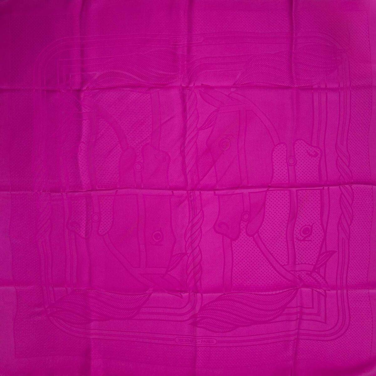 Koop authentieke tweedehands Hermes Jaqcuard sjaals aan een eerlijke prijs bij LabelLOV. Veilig online shoppen.